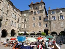 Place Notre Dame à Villefranche de Rouergue